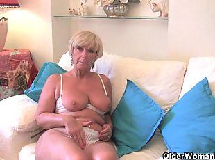 bbw mature granny huge tits