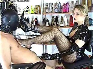 mature mistress worship