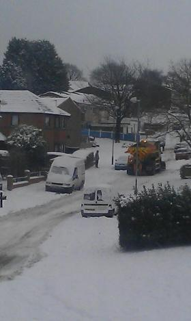 Gritter struggles up Thurlestone Road | by Tony Bates