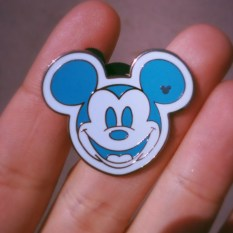 Hidden_mickey_pin