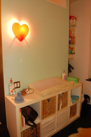 mommyhacker-how-i-squeezed-a-nursery-into-60-square-feet