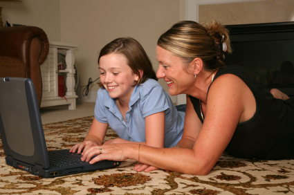 8 Ideas to Help Your Kids Communicate Safely Online