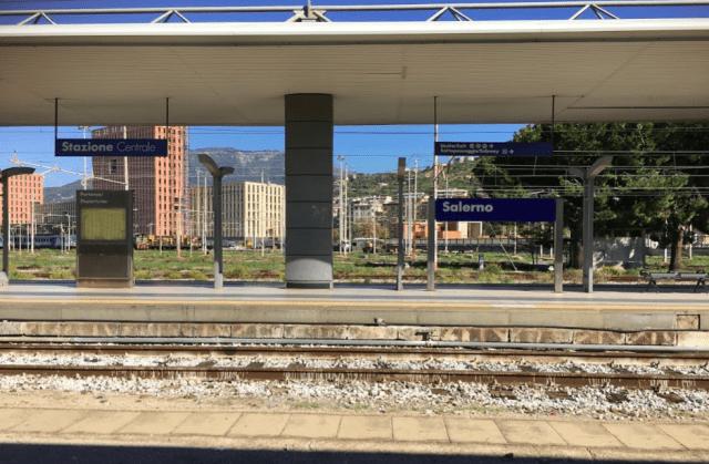 サレルノ駅(Salerno)の様子 (出典:著者撮影)