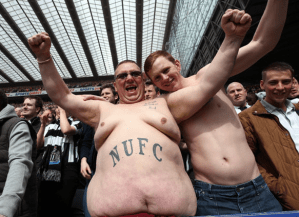 Newcastle announce signings of Ritchie and Gayle