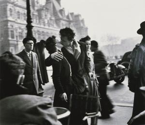 Robert Doisneau, Kiss at the Hotel de Ville (1950)