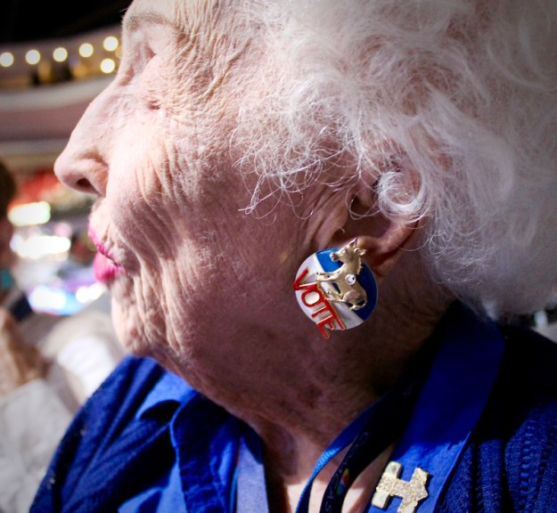 Jerry Emmet, 102 yr old delegate from Arizona. Image courtesy HillaryClinton.com