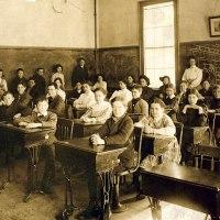 アメリカでは進化論を学ばない!?日米の学校教育の違い6つ