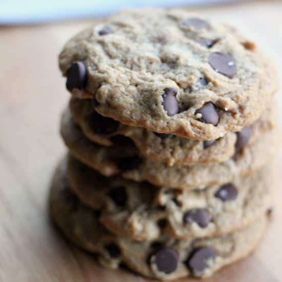 vegan-chocolate-chip-cookie-feature