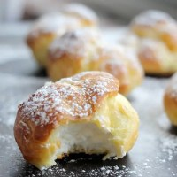 Classic Cream Puffs