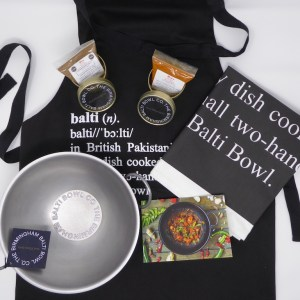 ULTIMATE CURRY LOVER GIFT SET- Authentic Bowl, Spices, Apron and Tea Towel