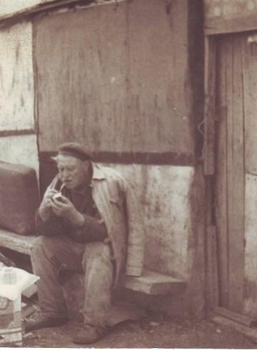 Дядо Митьо в Бургас на стари години
