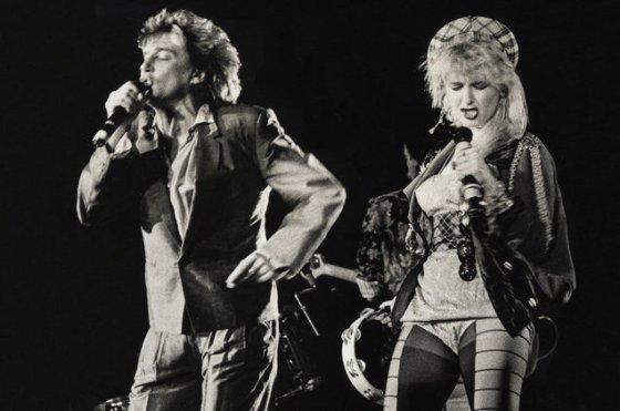 Rod-Stewart-Cyndi-Lauper-performance-billboard