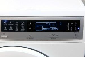 electrolux-washer-eifls20qsw-panel-800x533-c
