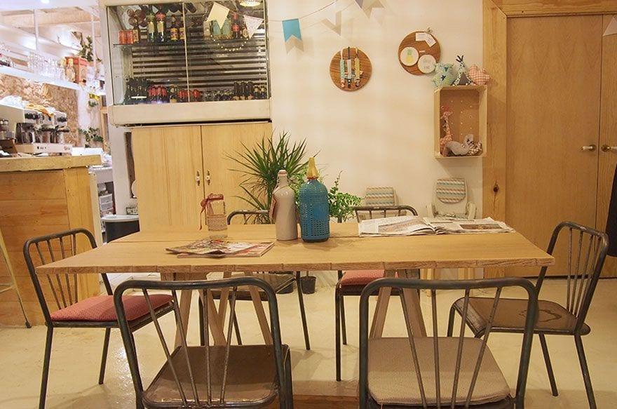 mama's corner cafeteria con encanto para niños barcelona