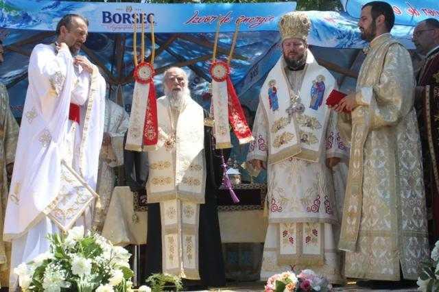 sfintirea-bisericii-sfintii-imparati-constantin-si