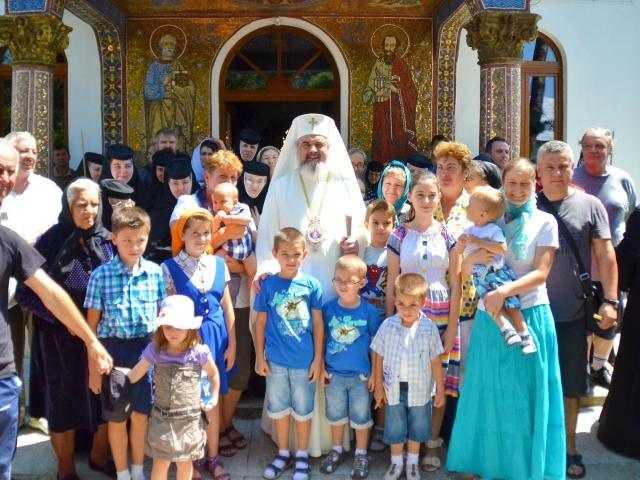 patriarhul-romaniei-la-manastirea-tiganesti
