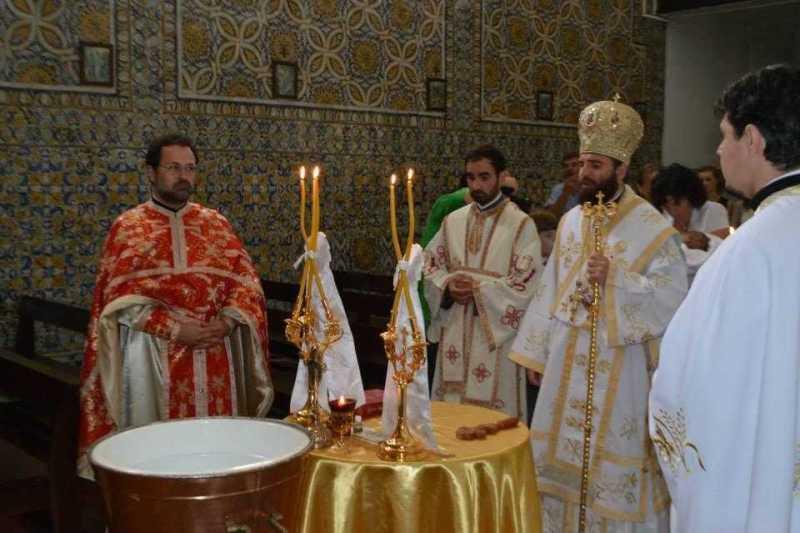 liturghie-arhiereasca-si-taina-sfantului-botez