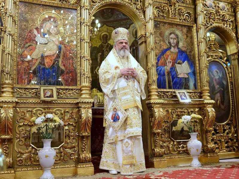 opt-ani-de-la-intronizarea-patriarhului