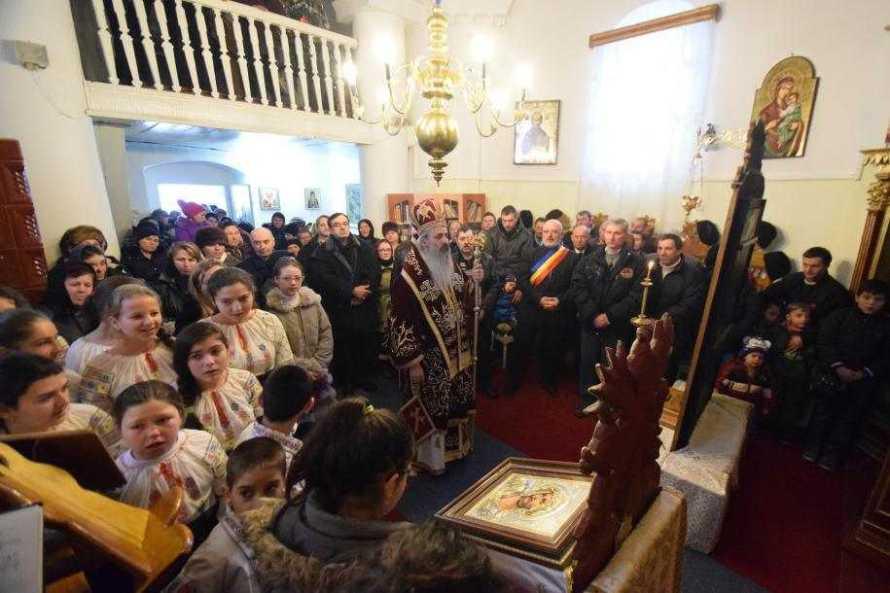 slujire-arhiereasca-in-biserica-sfantul-ierarh