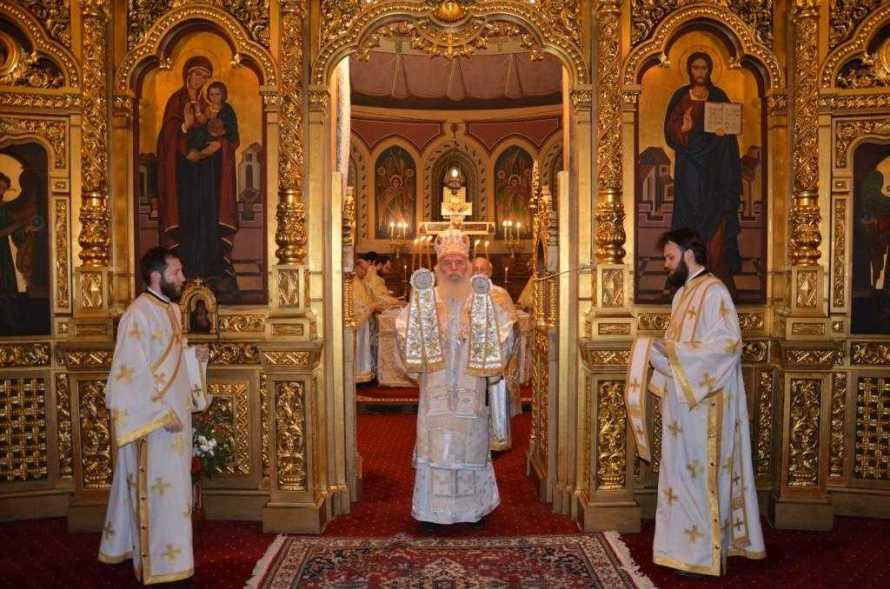 slujire-arhiereasca-la-catedrala-mitropolitana-din