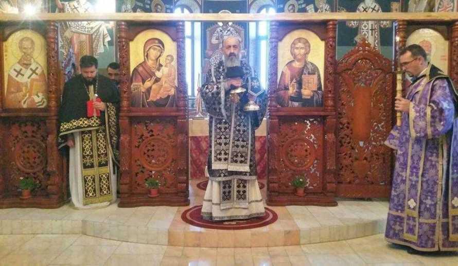 liturghie-arhireasca-in-biserica-seminarului-teologic