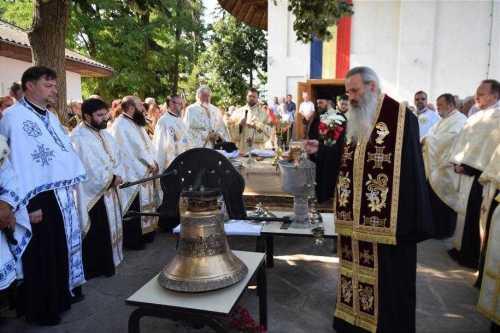 sfintire-clopotnita-handresti-mitropolitul-teofan-foto-tudorel-rusu_5_1600x1066