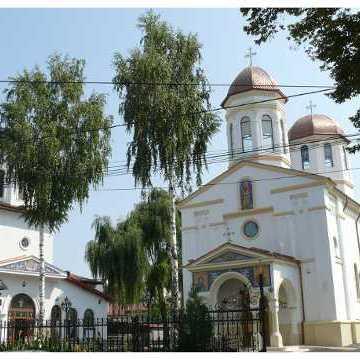 web-biserica-sfantul-pantelimon-border1