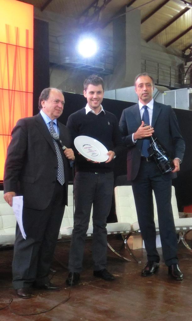 """Mionetto premia lo chef Lorenzo Cogo del Ristorante El Coq di Vicenza per la """"Performance dell'anno"""" della Guida Espresso 2013"""
