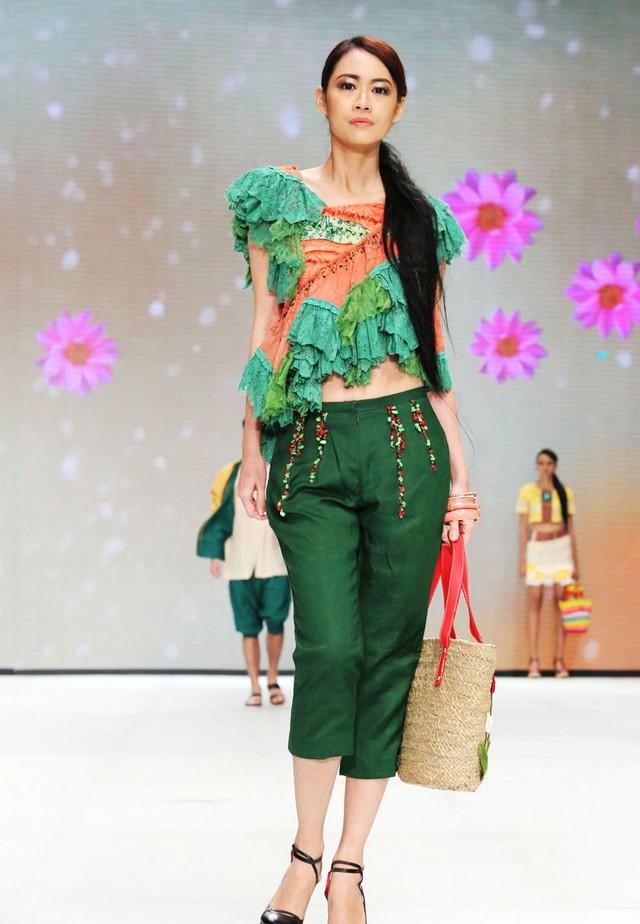 Model Dress Batik Untuk Orang Gemuk Batik Keluarga | Caroldoey