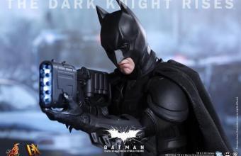 TDKR Batman Hot Toys