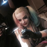 Margot Robbie gave someone a misspelled 'Suicide Squad' tattoo (video)