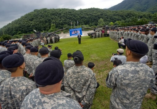 Defense Secretary Robert Gates talks to soldiers during a short talk and question-and-answer session July 20 at Camp Casey, South Korea.//DoD/Cherie Cullen