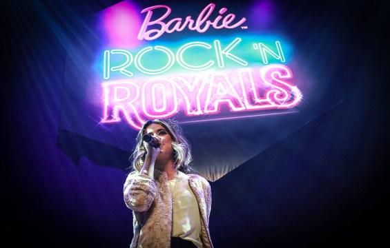 Première de Barbie Rock'n Royals teve show exclusivo de Manu Gavassi