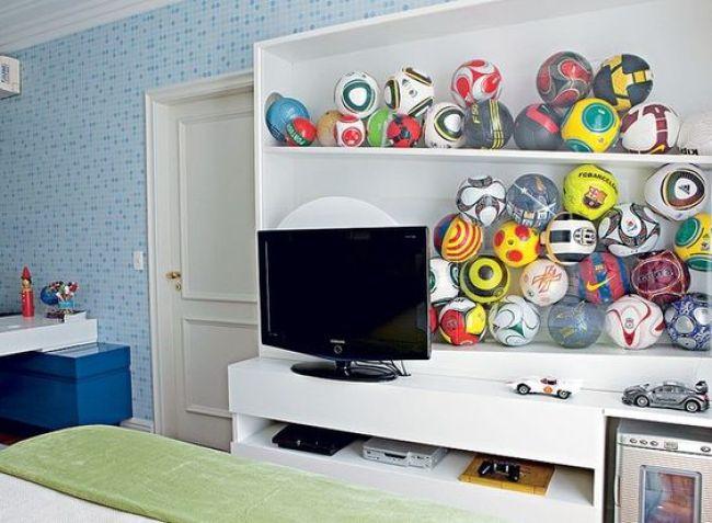 compartimento para guardar bolas no quarto da criança