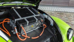Karabag-ReeVOLT-Elektroauto-Umruest-Kit-4
