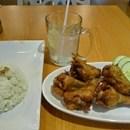 Tìm quán ăn giá rẻ ở sân bay KLIA2