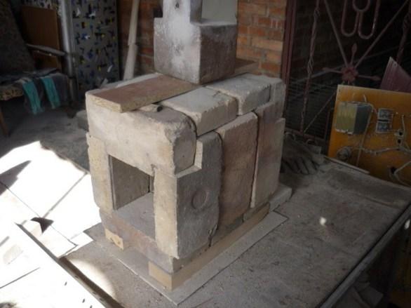 """Начало! Собрал конструкцию """"домика"""" на сухую из подготовленных шамотных кирпичей (ШБ-8)."""
