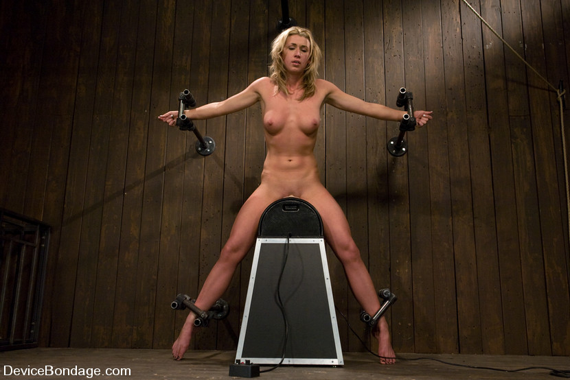 slaves girls chained
