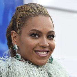 Beyonce llega a la ceremonia de los Premios MTV a los Videos Musicales en el Madison Square Garden, el domingo 28 de agosto del 2016 en Nueva York. (Foto por Chris Pizzello/Invision/AP)