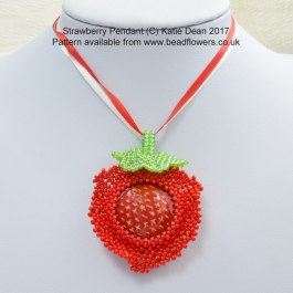 Strawberry Pendant Beading Pattern