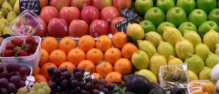 How a Chinese Fruit Vendor Taught Me to Negotiate Rocking Freelance Blogging Rates