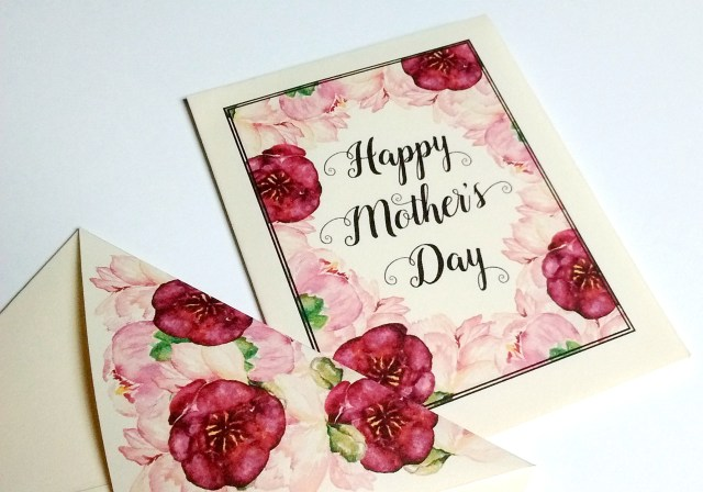 Free Printable Mini Mother's Day Card with envelope!
