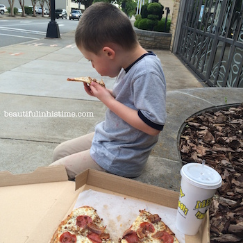 05.10 21 pizza in downtown