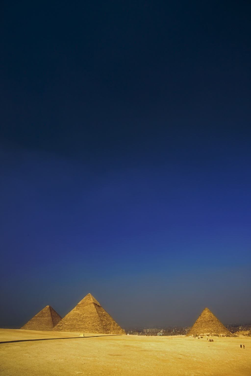useful facts about the pyramids of egypt Some interesting facts on how the pyramids were built: khufu's pyramid, known as the great pyramid of giza, is the oldest and largest, rising at 481 feet (146 meters) archeologists say it was the tallest structure in the world for about 3, 800 years.