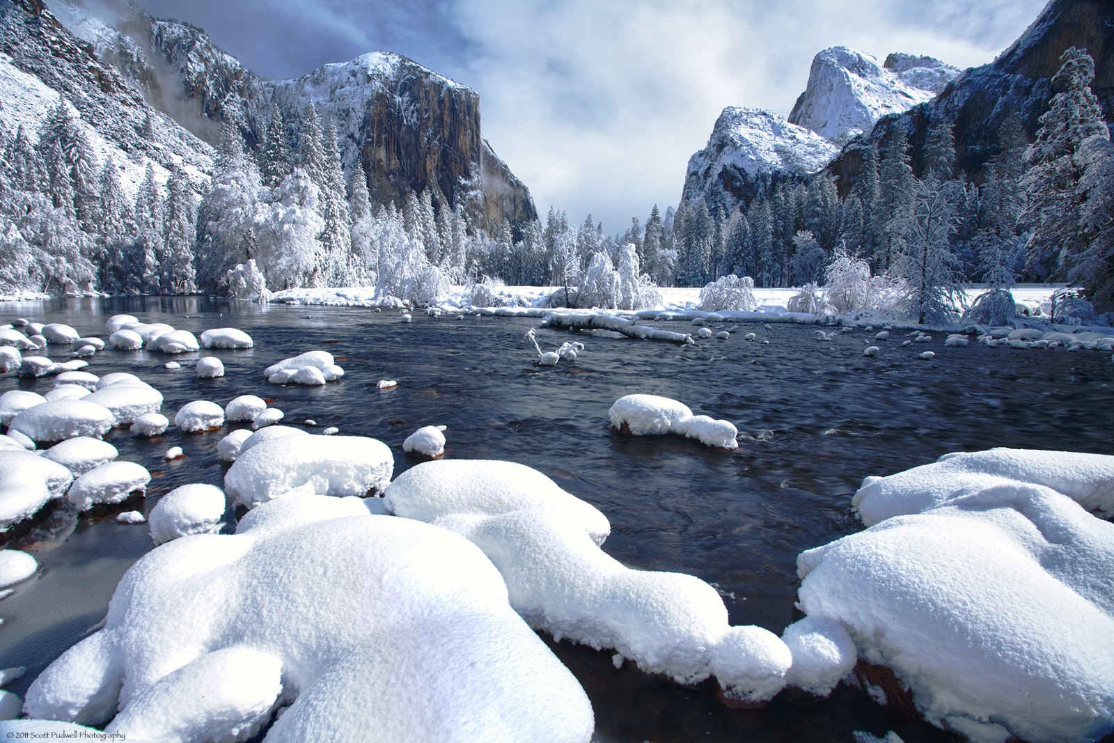 Yosemite national park california united states Beautiful snowfall pictures