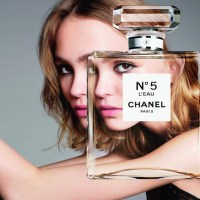 New. Now. CHANEL N°5 L'EAU