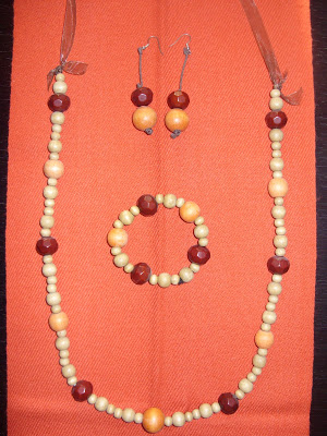 wooden-beads-necklace