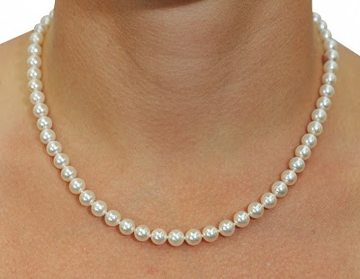 Deep Sea Jewels: 5 Awesome Facts About Pearls