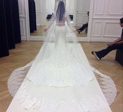 kim-kardashian wedding dress