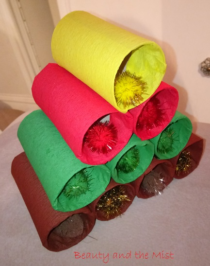 diy-paper-roll-christmas
